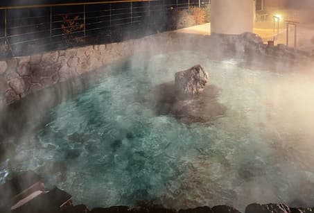 Onsen in the sacred sites of Kii