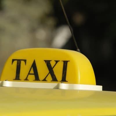 Taxi et guide à la journée