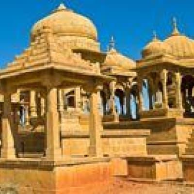 Route Jaipur/Agra - Découverte d'un puits à degré (abhaneri) et temple de Harshat Mata