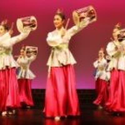 """Comédie musicale """"Légende des fleurs"""""""