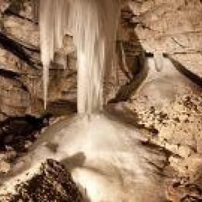 Visite des grottes de Niah