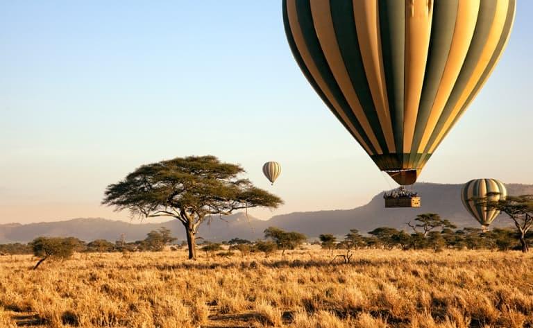 Survol en montgolfière au-dessus du Serengeti