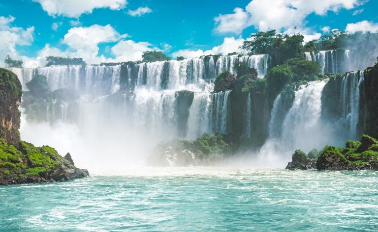 Explorations des chutes d'Iguaçu côté brésilien et retour en France