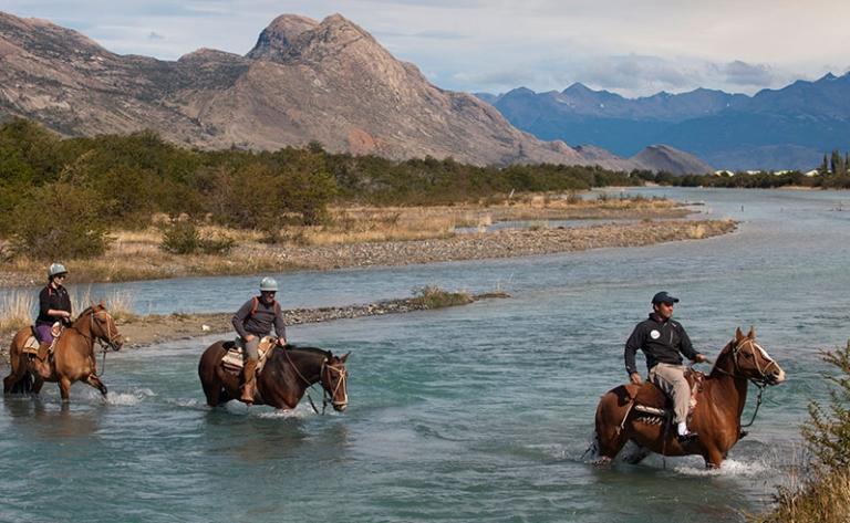 Navigation sur le lac Argentin et découverte de l'Estancia Cristina