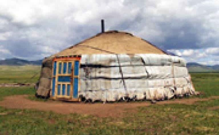 Visite d'une yourte de nomades