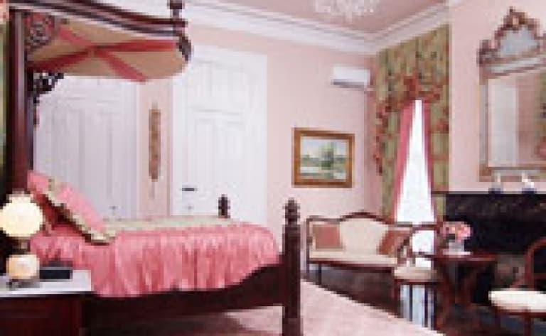 Hotel White Castle