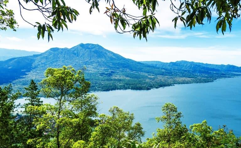 Lever de soleil au sommet du Mont Batur