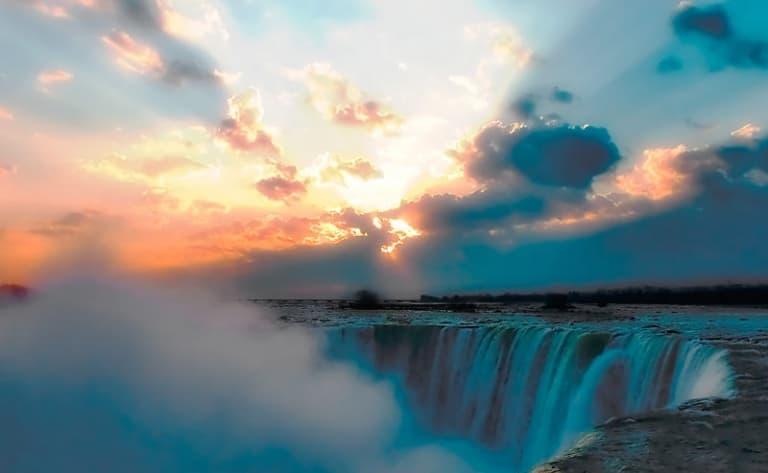 Etourdissantes chutes du Niagara !