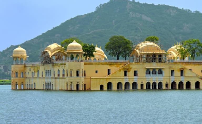 Sur les pas des Maharanas