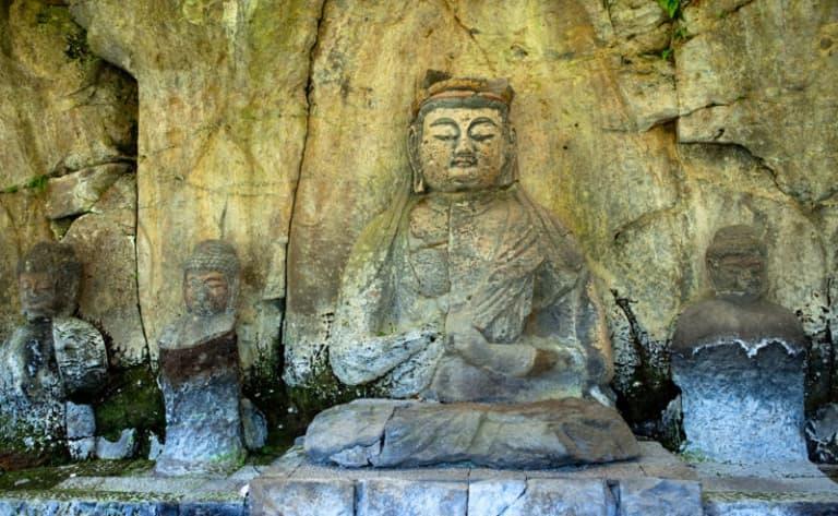 Jolie Yufuin ou Bouddhas d'Usuki ?
