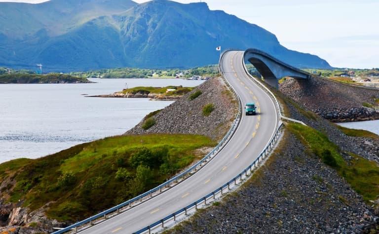 La célèbre route de l'Atlantique