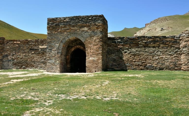 Une forteresse de pierre