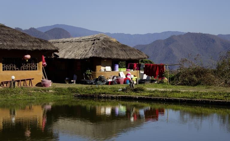 Immersion dans le village de la minorité Lisu