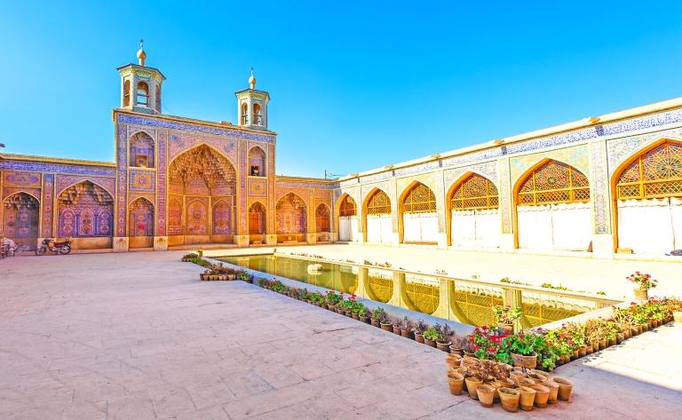 Shiraz, patrie des poètes et ville des roses…