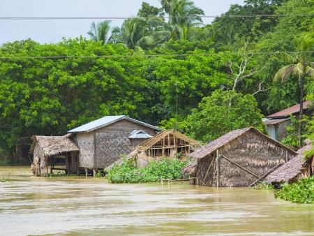 Les villages le long du fleuve