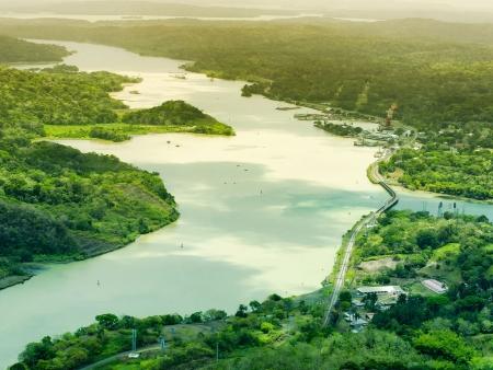 Sur les eaux du Lac Gatún…
