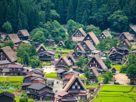 Les fermes traditionnelles de Shirakawa Go