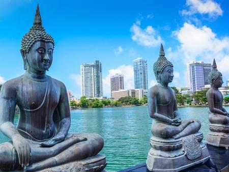 Ayubowan Sri Lanka !