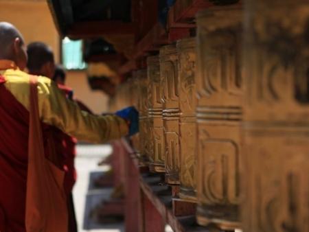 Visite du monastère de Gandan