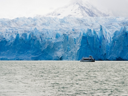 Mythique Glacier Perito Moreno