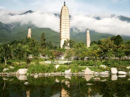 Le lac Erhai, le Village de pierre de Xizhou, le Village de Zhoucheng, Cérémonie des trois thés et Fabrique de Batik