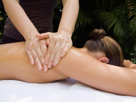 Cours de dance, méditation et massage.