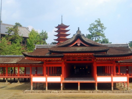 Temples, Nijo Castle and Gion district and its Geisha