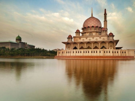 Putrajaya et Shah Alam