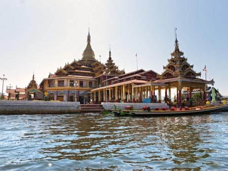 Arrivée et première découverte de Mandalay