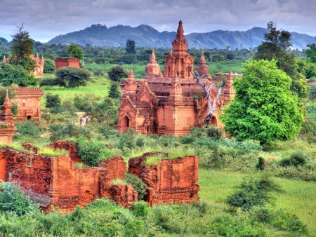 En vélo parmi les pagodes