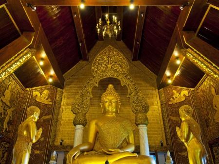 Les 2478 stupas de Kakku !