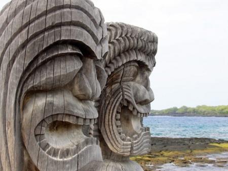 Les légendes de l'île Sacrée