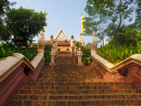 Passé colonial et histoire moderne du Cambodge