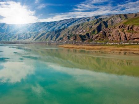 Début du trekking vers les eaux turquoise du Lac Kulikalon