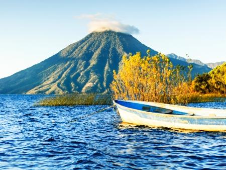 Lacs Atitlan et indiens Zutuhiles
